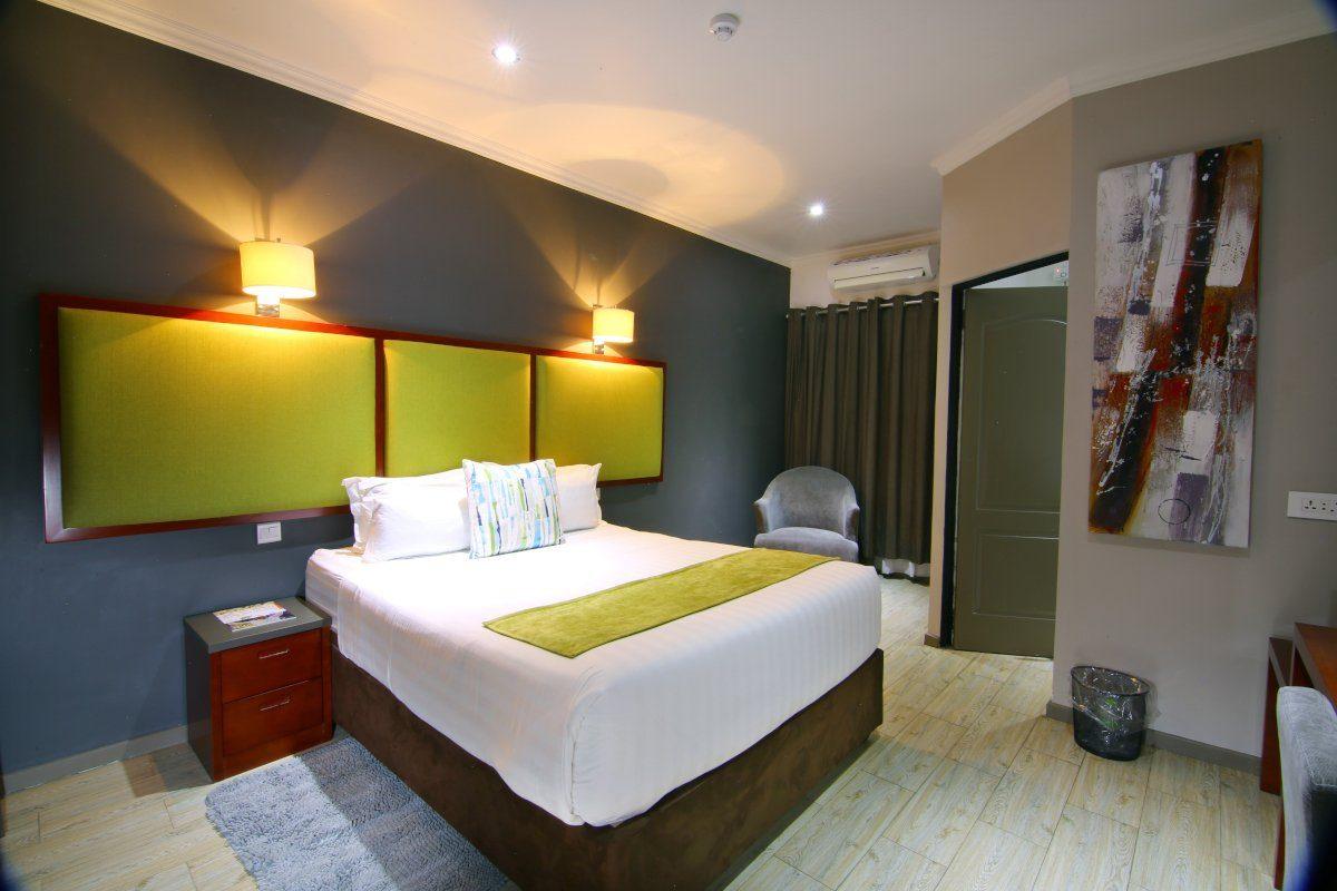 Standard bedroom (2)